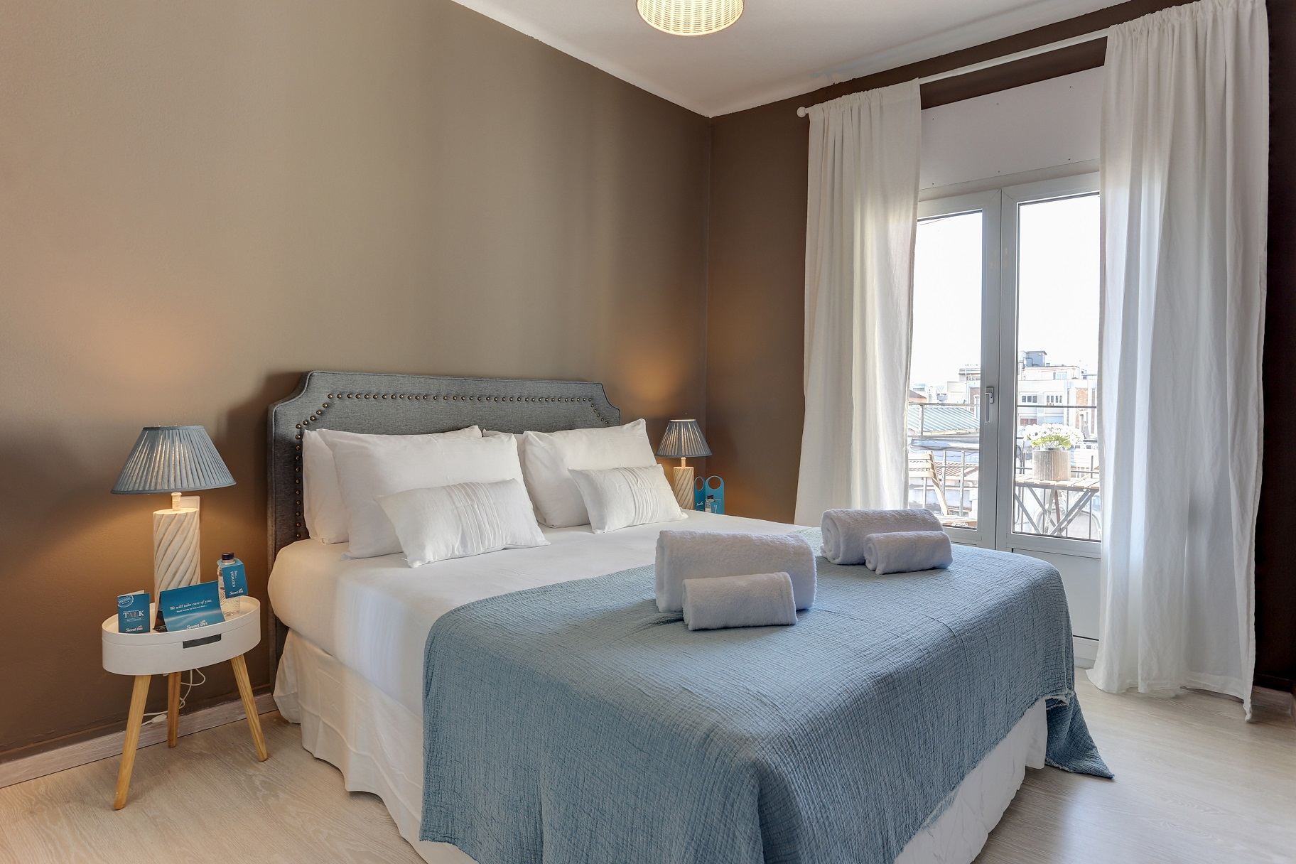 Grand bedroom at Rocafort Apartments