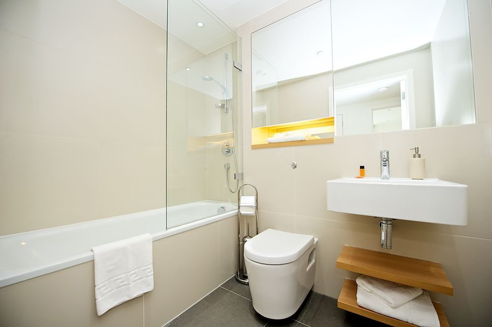 Bathroom at Staycity Aparthotels Paris Marne La Vallee, Centre, Bailly-Romainvilliers