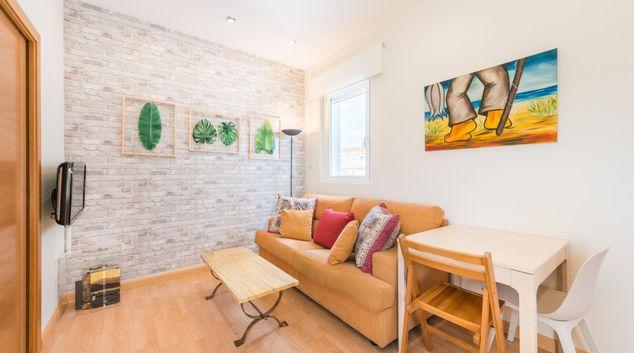 Living room at Bright Salamanca Apartment