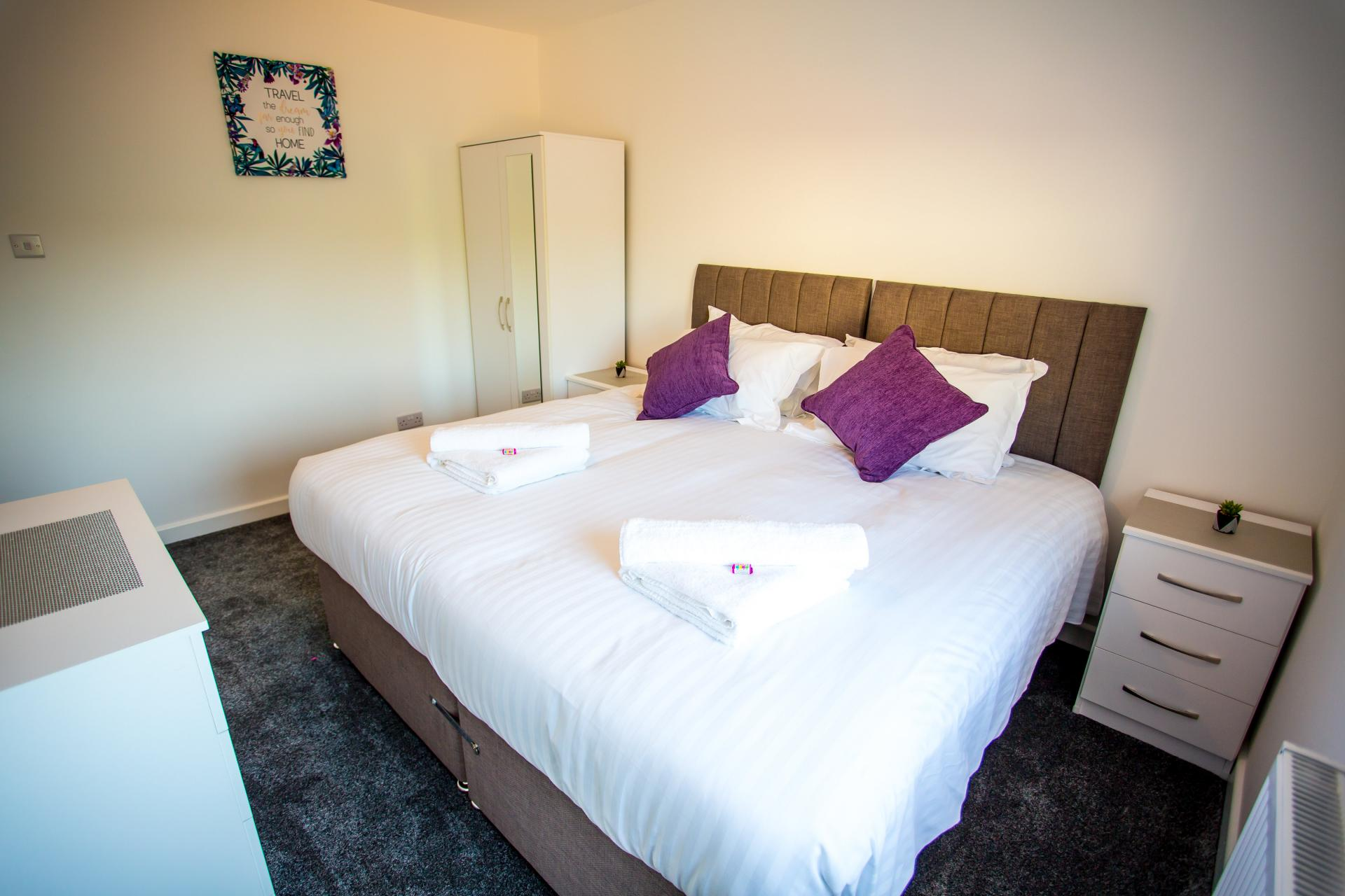 Large bed at Comfort House Tamworth