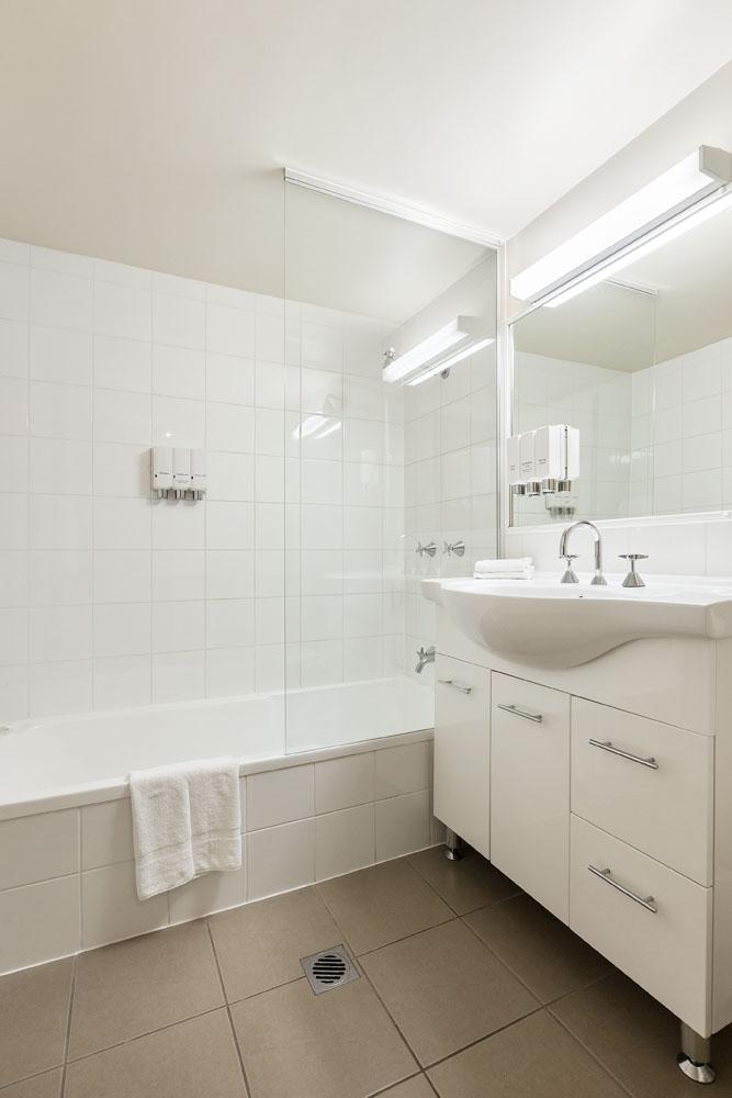 Main bathroom at Quest On Story Bridge