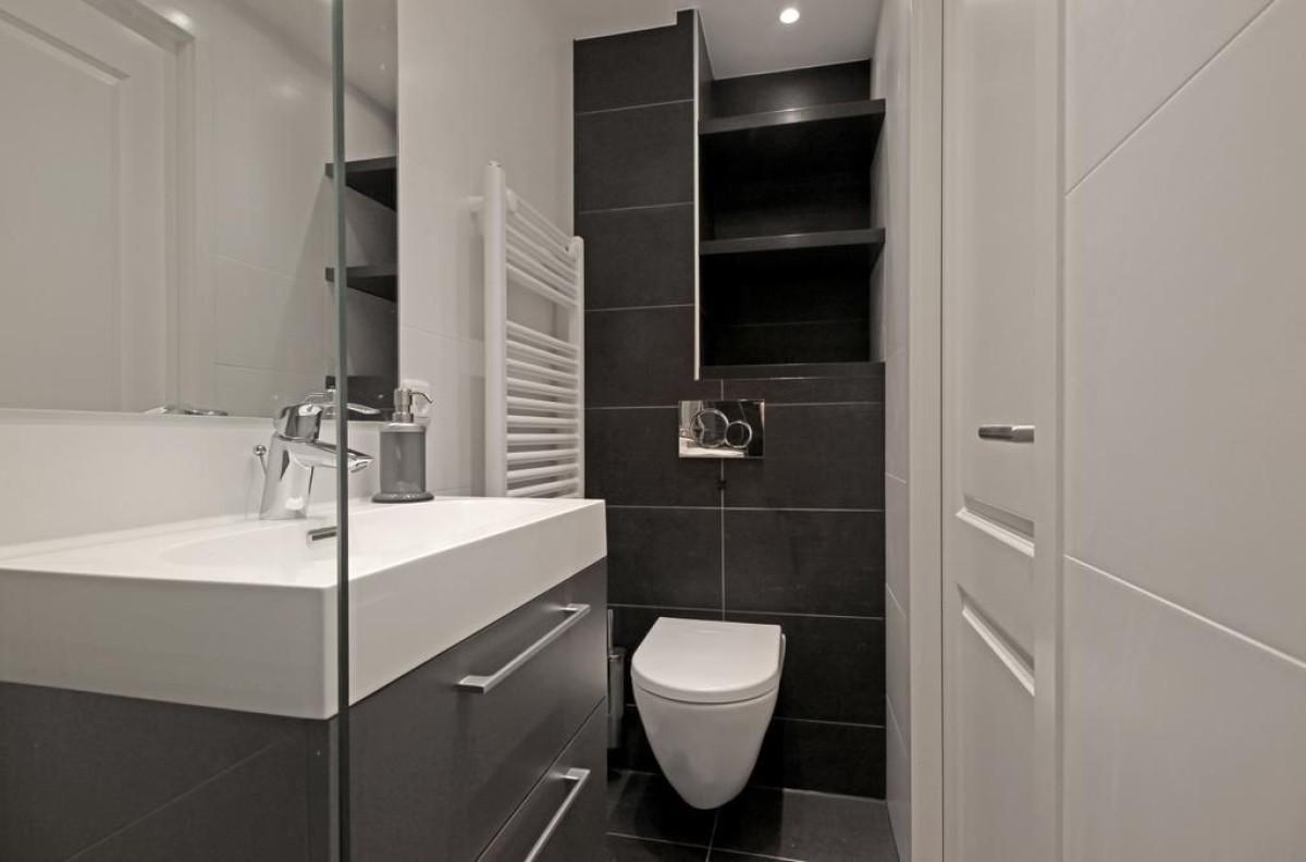 Bathroom at Jordaan Harlem Prince Apartments, Amsterdam