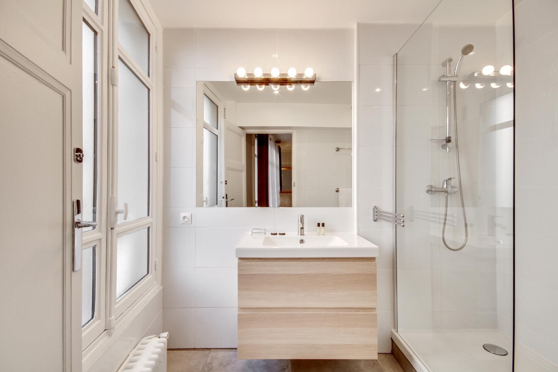 Bathroom at Rue Saint-Marc Apartments