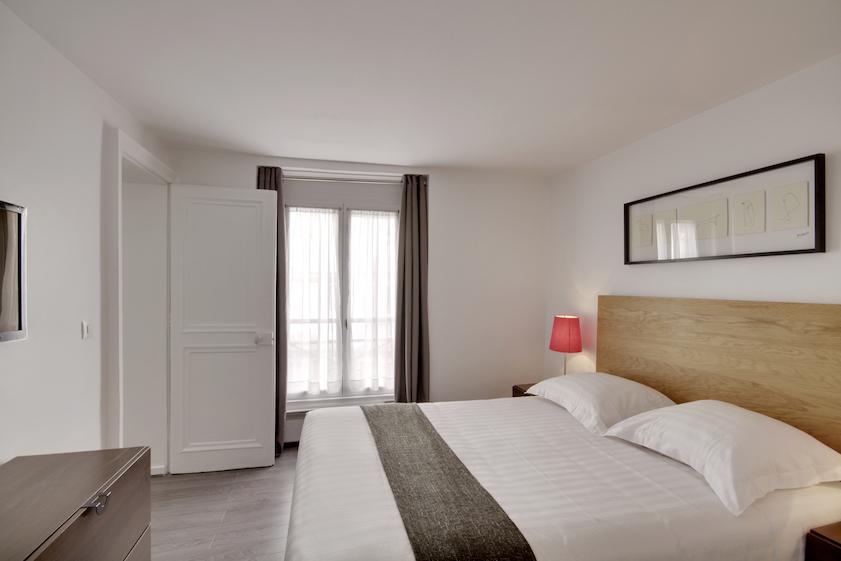 Bedroom at Rue Saint-Marc Apartments