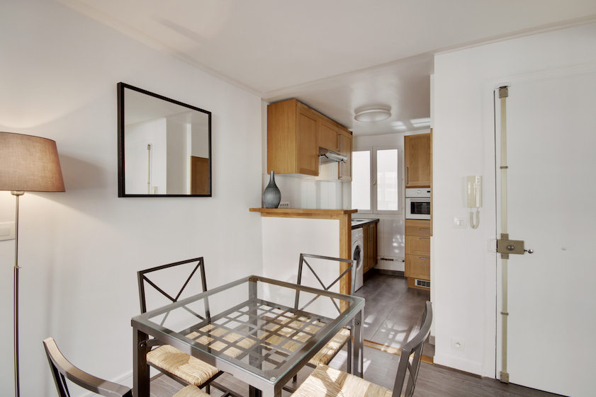 Dining area at Rue Saint-Marc Apartments