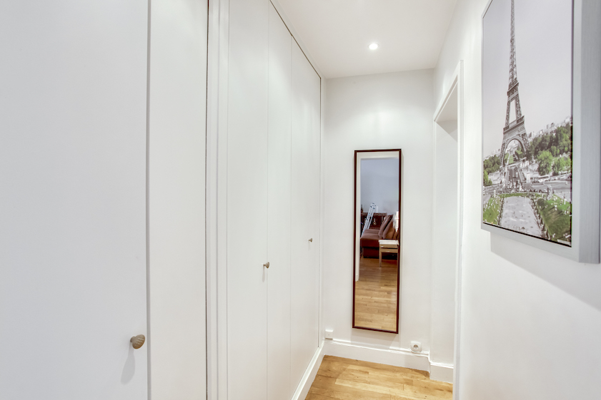 Mirror at Rue Jean Beausire Apartment