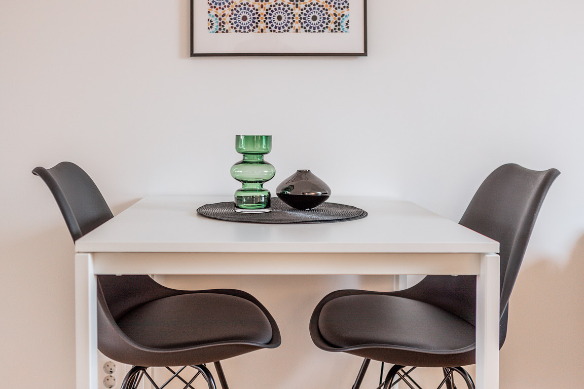 Dining area at Osbygatan Apartment, Norra Sofielund, Malmö