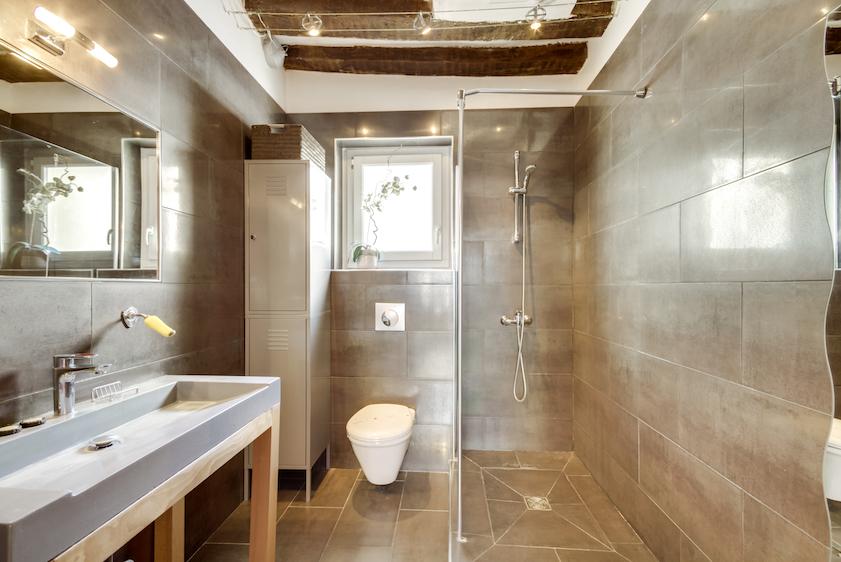Bathroom at Rue Tiquetonne Apartment