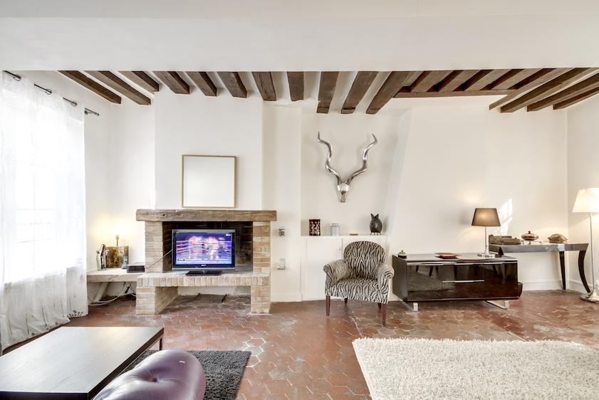 Lounge at Rue Tiquetonne Apartment