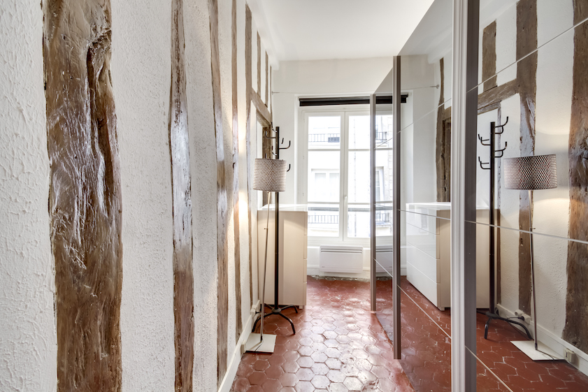 Hallway at Rue Tiquetonne Apartment