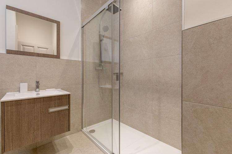 Bathroom at Chisholm Hunter Suites