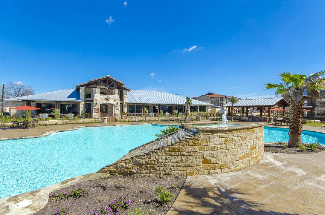 Resort style pool at Legacy Brooks Apartments
