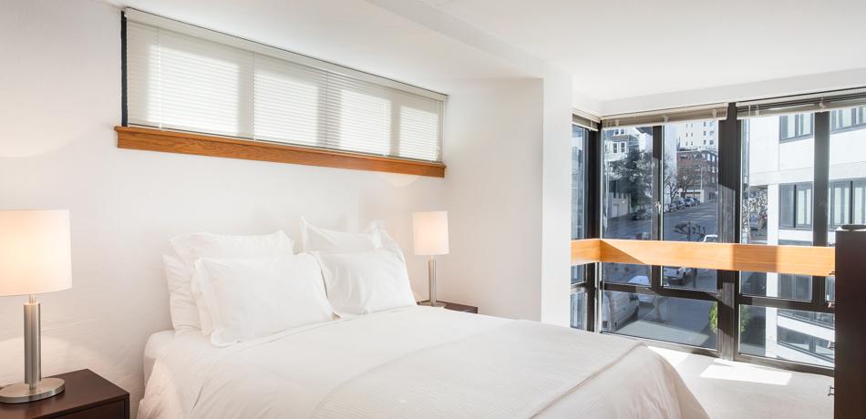 Bed at 2000 Broadway Apartments