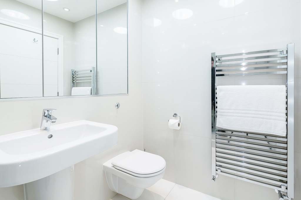 Bright bathroom at Snow on The Slopes Apartments