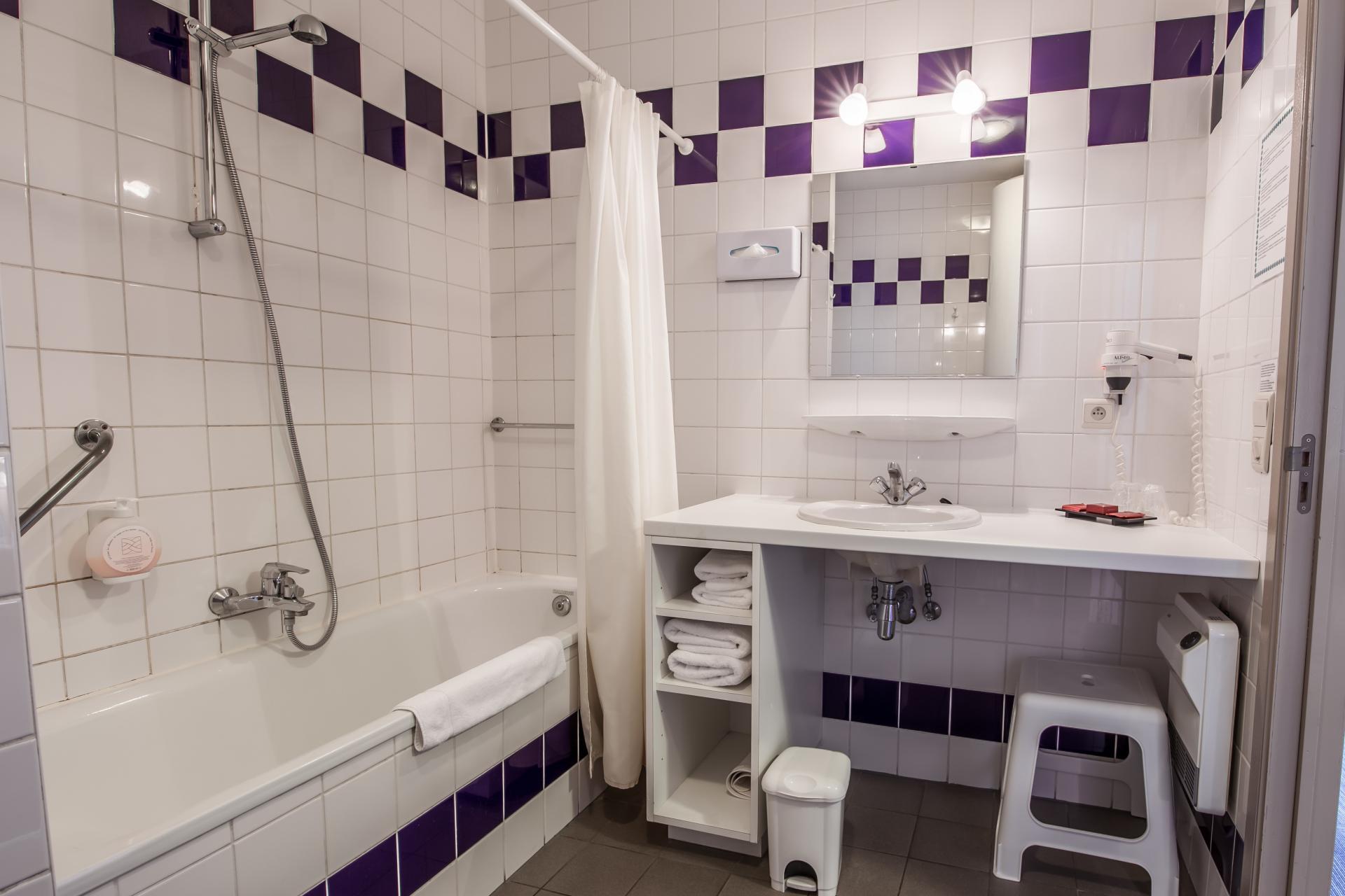 Bathroom at Infotel Apartments