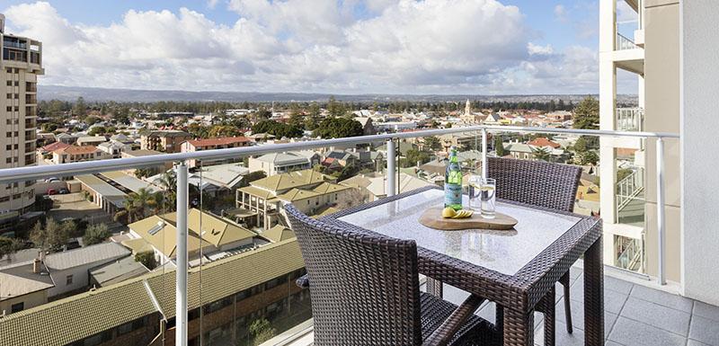 Balcony at Oaks Glenelg Liberty Suites
