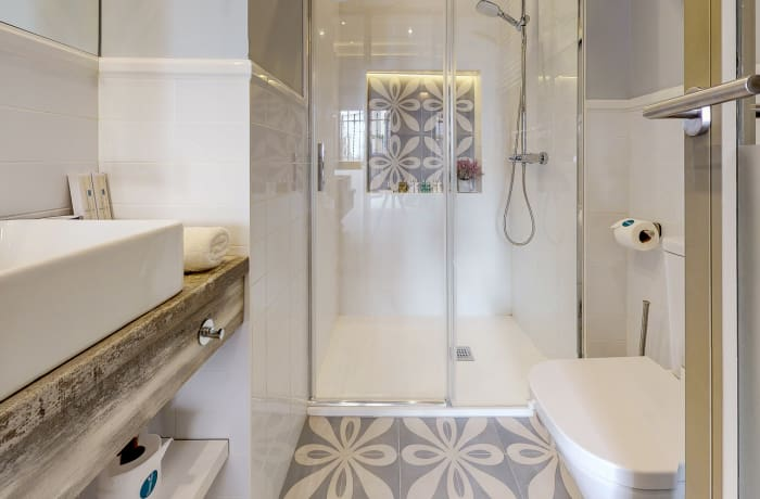 Shower at Conde De Torrejon 11 Apartment