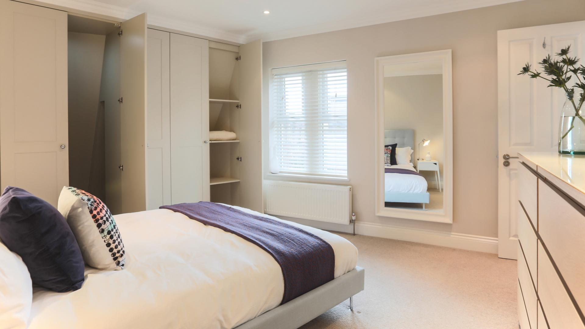 Cosy bedroom at White Hill 5 Apartment