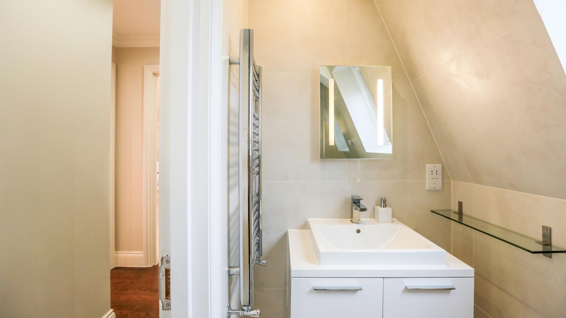 Bathroom at White Hill 5 Apartment