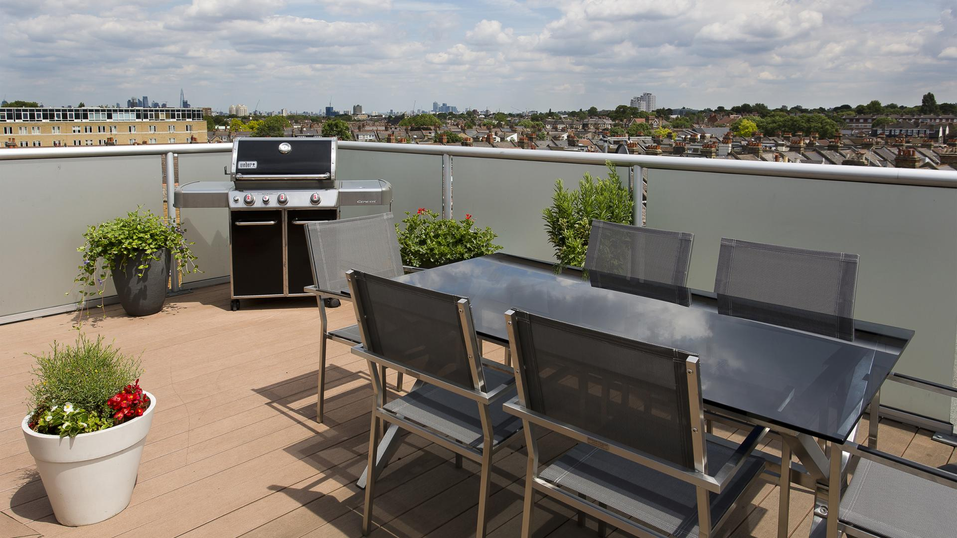Terrace area at White Hill 5 Apartment