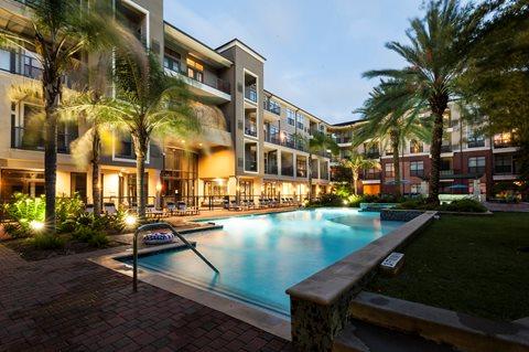 Resort Style Pool at Broadstone Memorial  Corporate Housing