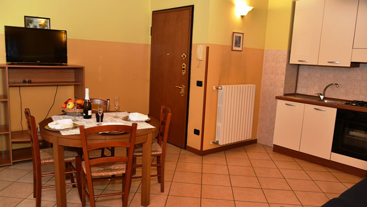 Kitchen/dining area at Oasi Di Monza Apartments