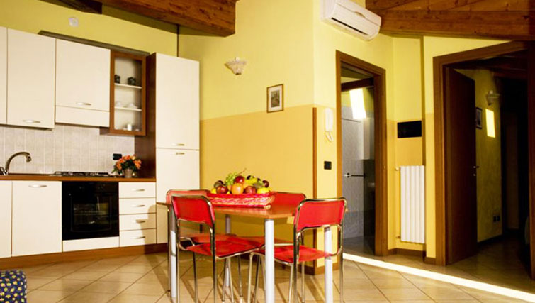 Equipped kitchen at Oasi Di Monza Apartments