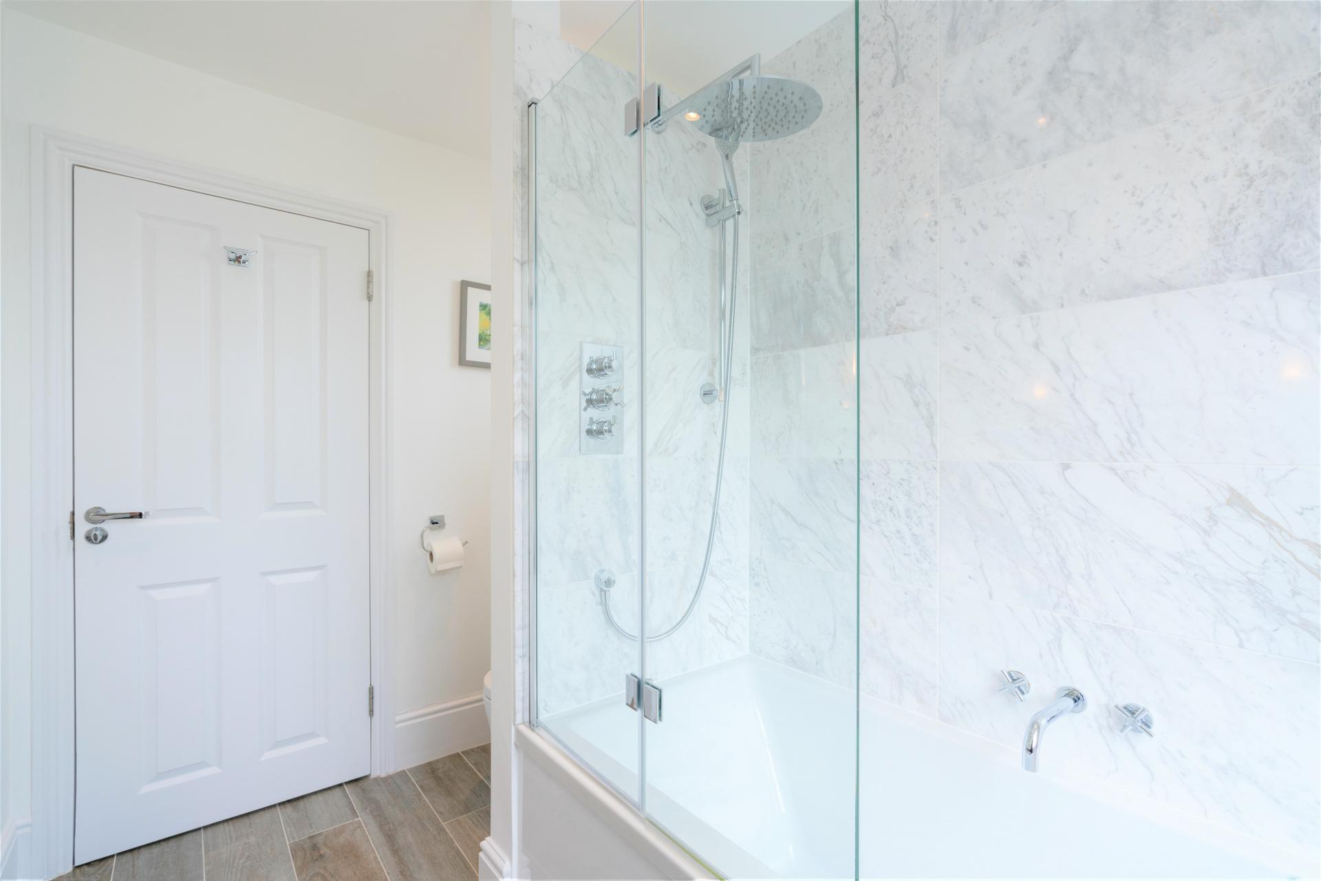 Shower at 20 Montpellier Spa Road