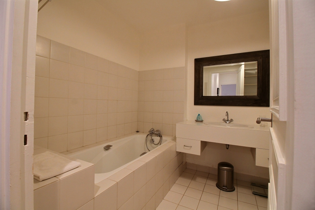 Bath at Fondary 42 Apartment, 15th Arr, Paris