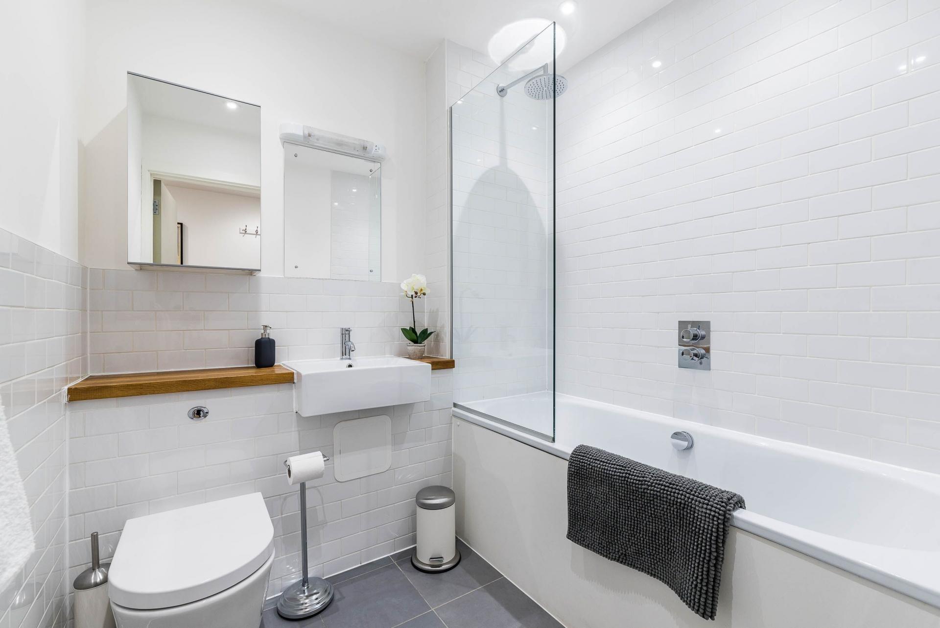 Bathroom at Vibrant Vauxhall Apartments