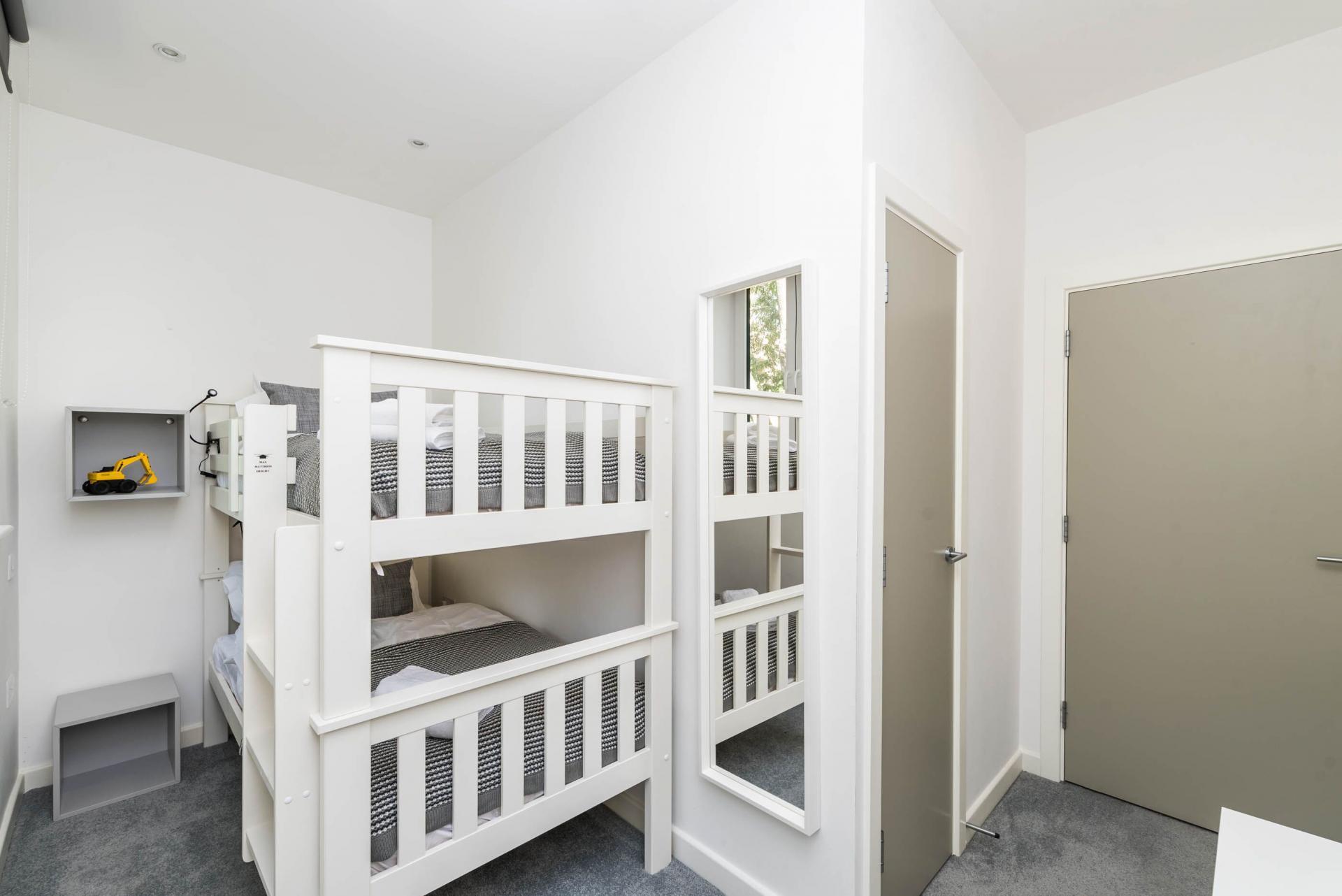 Bunk beds at Vibrant Vauxhall Apartments