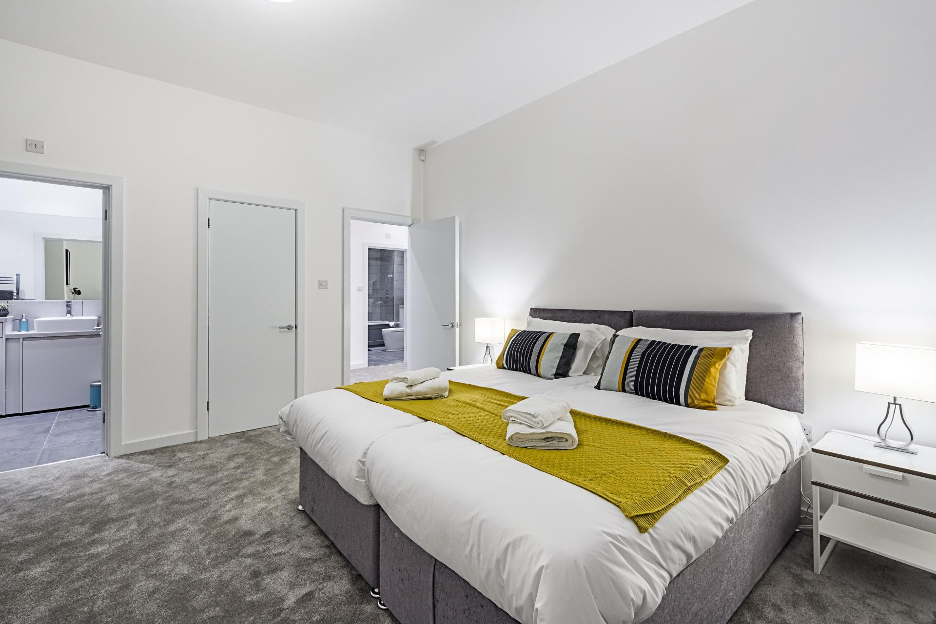 Zip and link beds at Vibrant Vauxhall Apartments