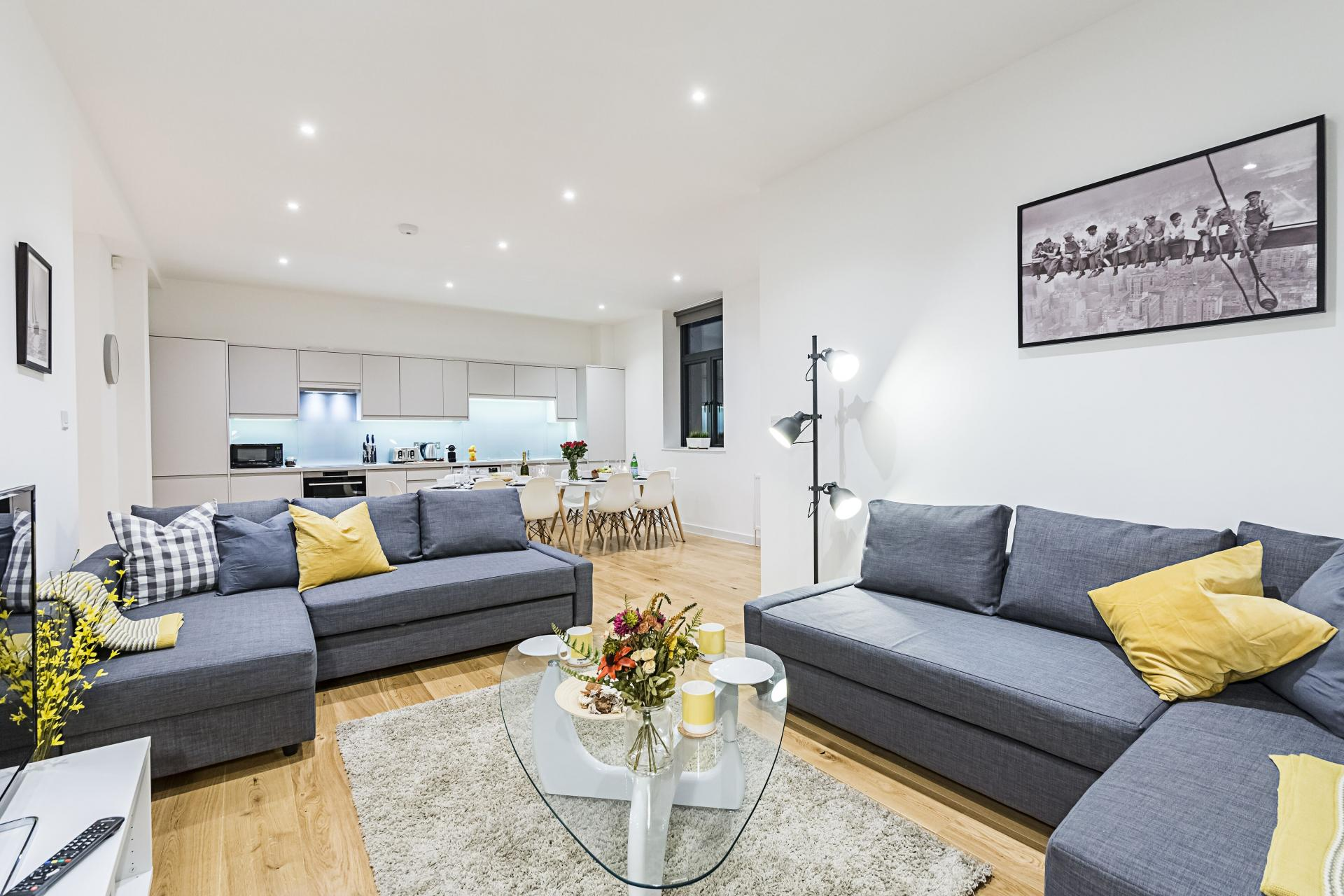 Airy living room at Vibrant Vauxhall Apartments