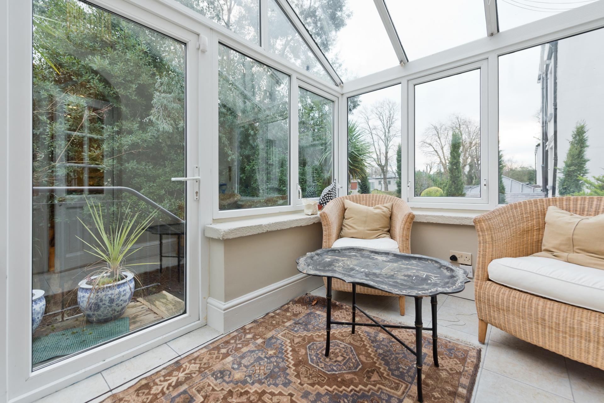 Conservatory at Elegant Ballsbridge Apartments