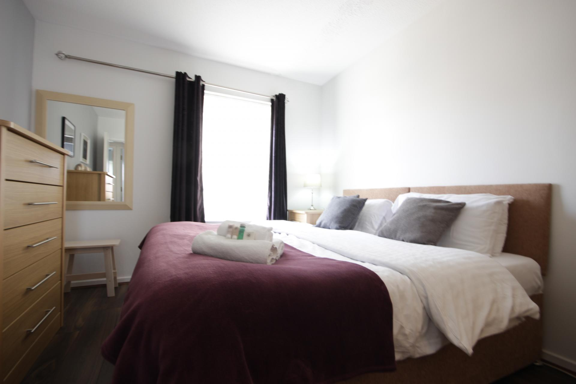Spacious bedroom at Windhouse View Apartment