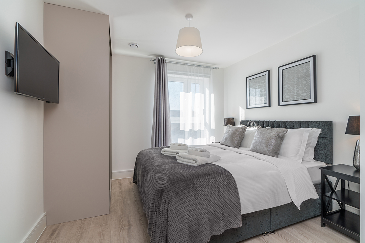 Spacious bedroom at Deanery Court Apartments