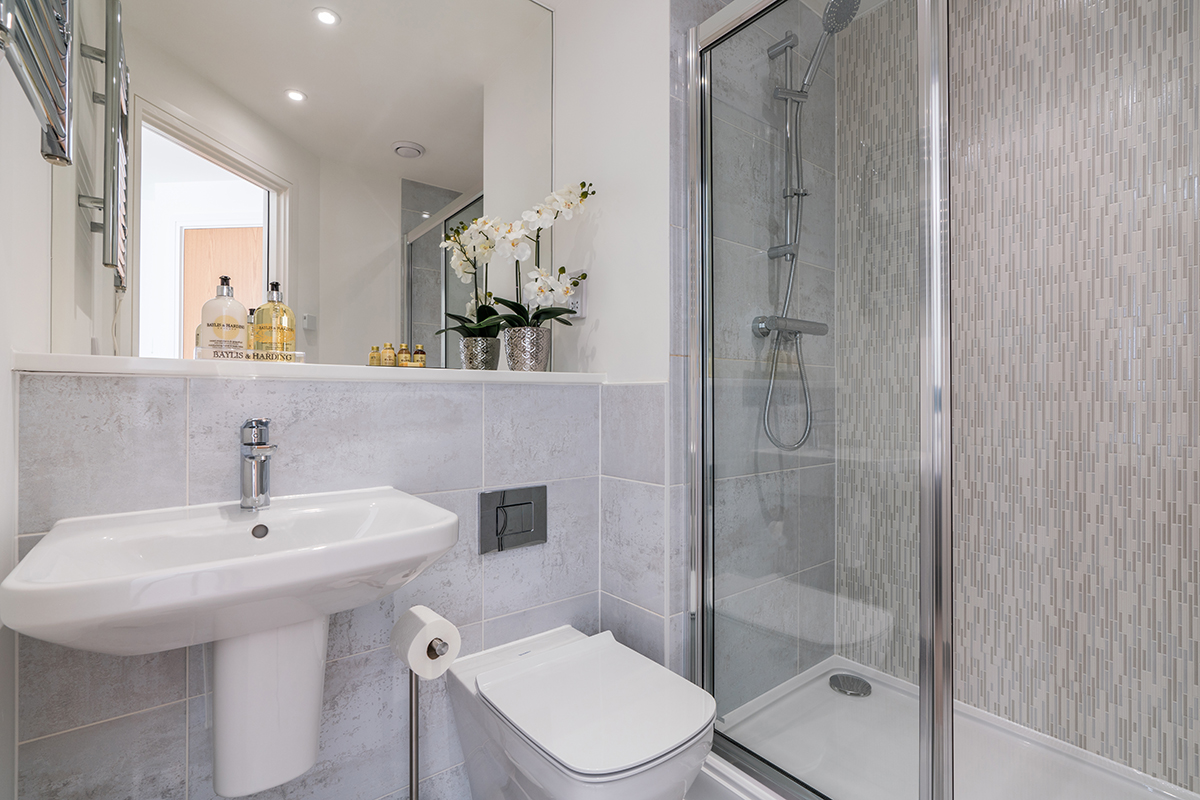 Shower at Deanery Court Apartments
