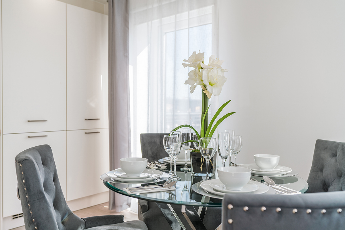 Dining table at Deanery Court Apartments