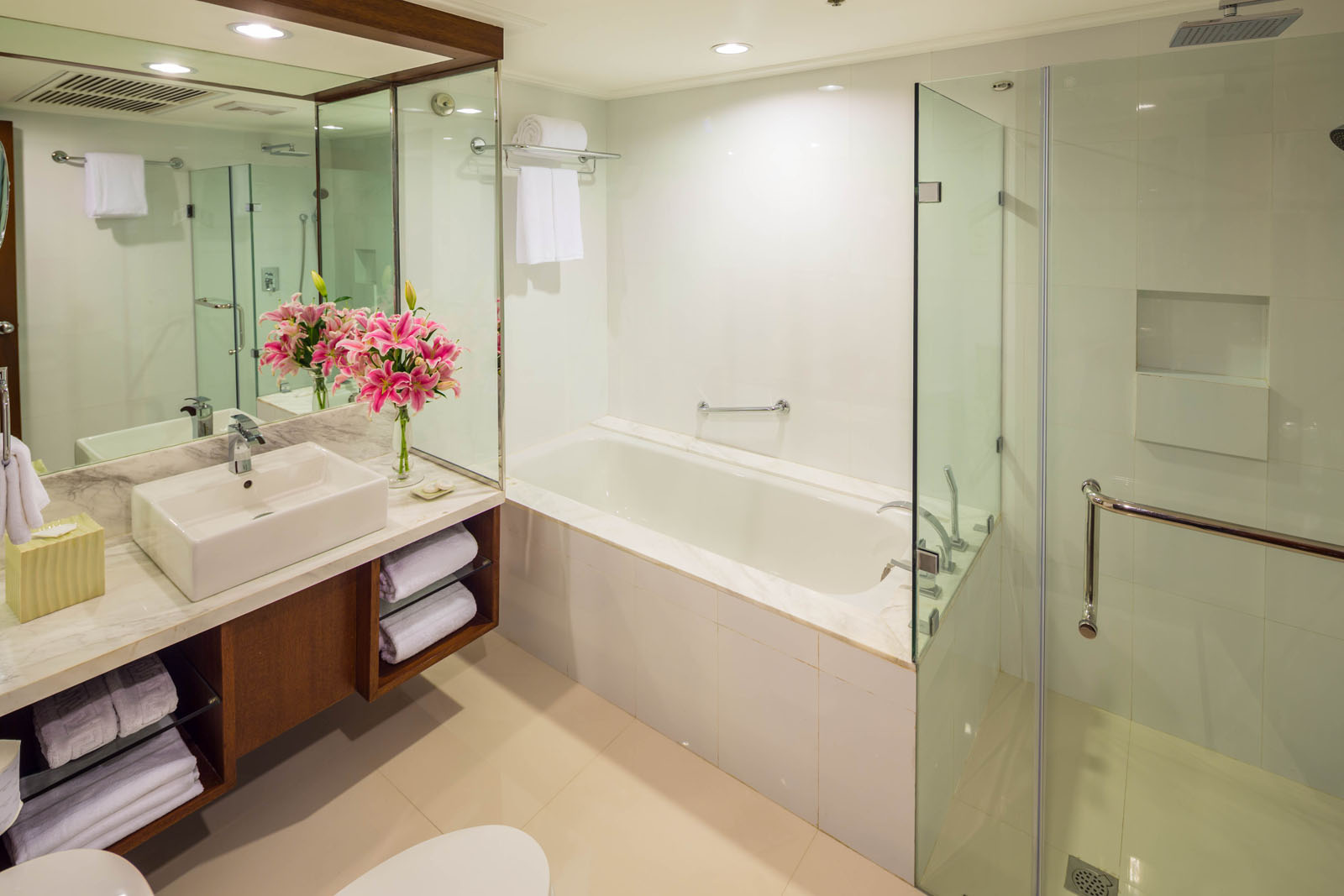 Bathroom at Ortigas Center Apartments