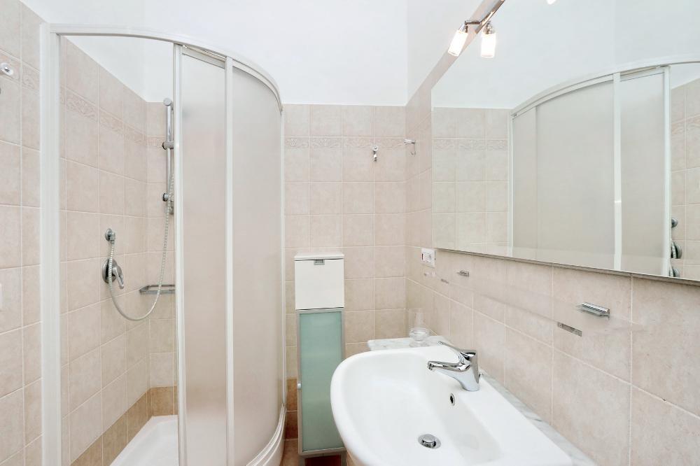 Shower at Clodia Apartment, Municipio XV, Rome