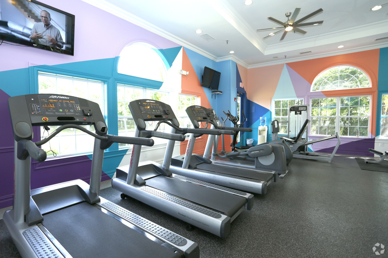 Gym at Eagle Rock Apartment