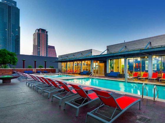 Pool at AMLI on 2nd Apartments, Centre, Austin