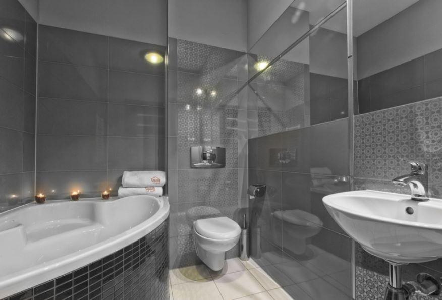 Modern WC at Zeligowskiego Apartments, Centre, Lodz