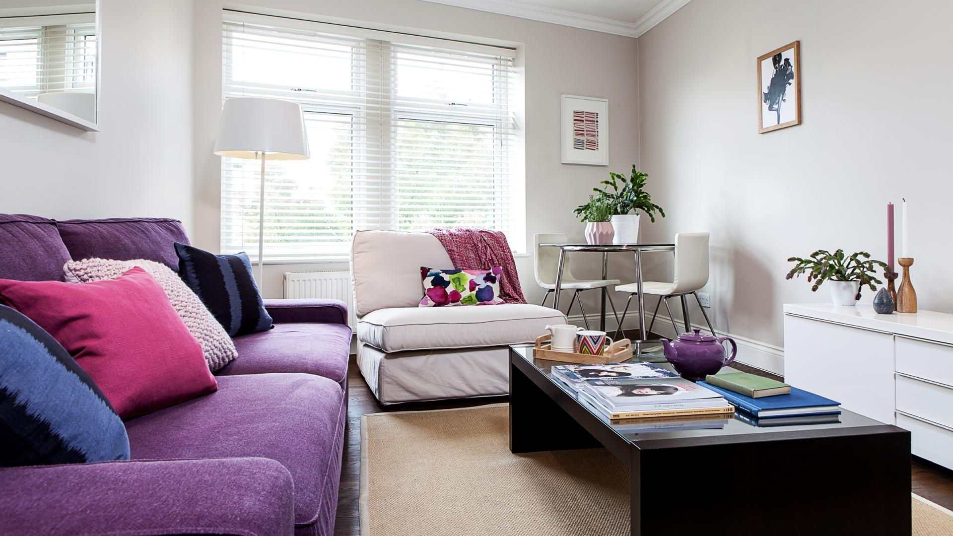 Stylish living area at White Hill 3 Apartment