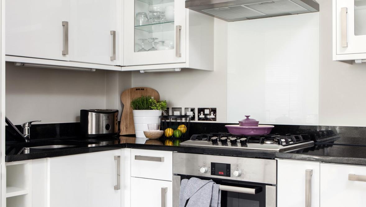 Kitchen at White Hill 3 Apartment