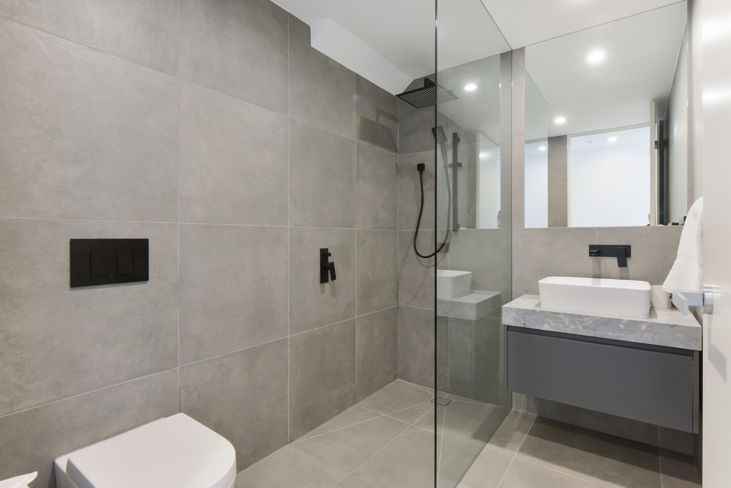 Shower at Victoria Road Townhouse