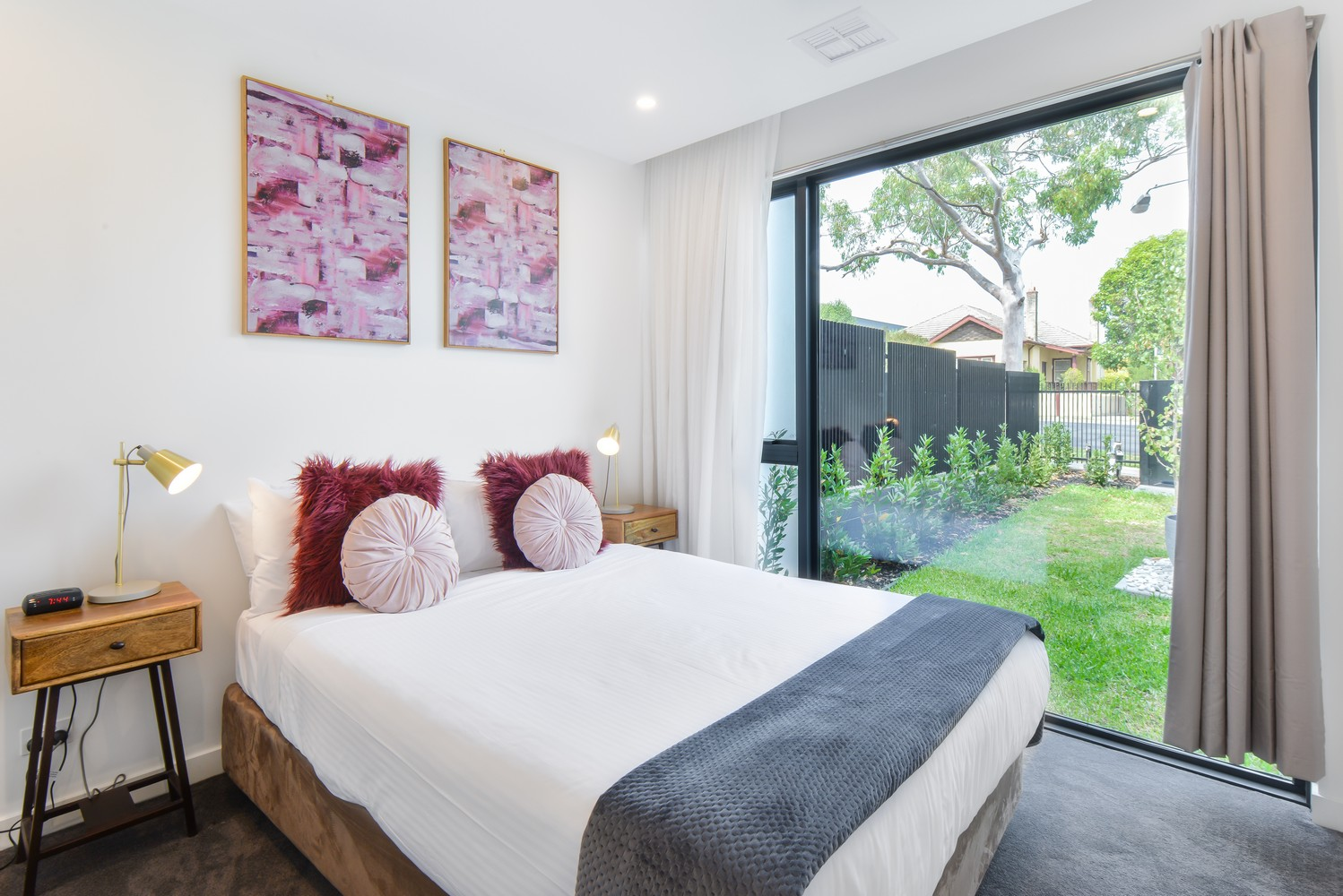 Double bed at Victoria Road Townhouse