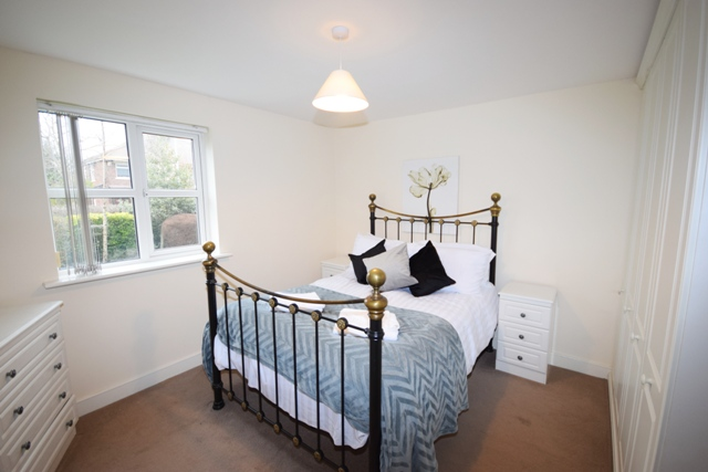 Double bed at Woodlands View Apartment