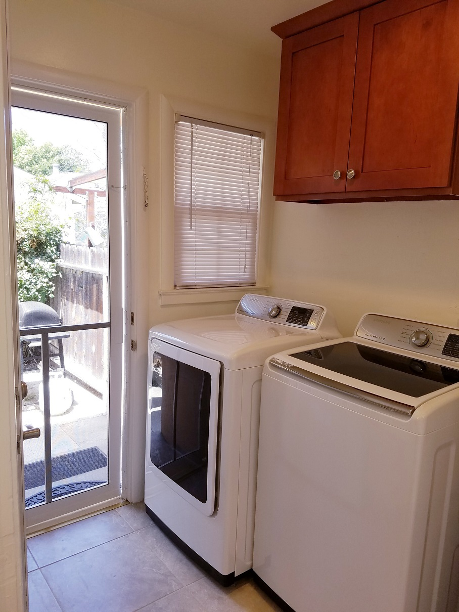 Laundry facilities at San Jose Duplex Apartment