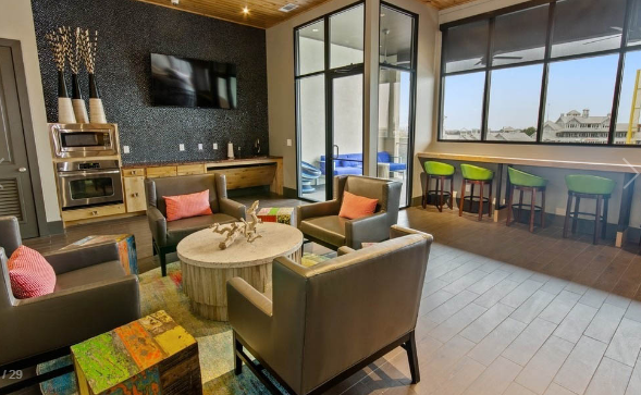 Resident Lounge at Amli at the Ballpark Apartment